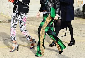Fashion 2017: cum sa porti pantalonii cu imprimeuri
